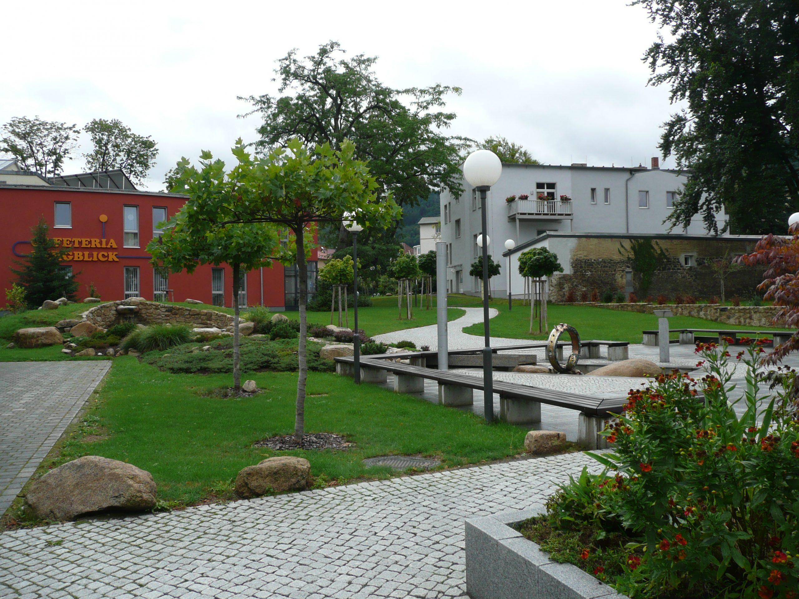 Außenanlage Altenpflegeheim